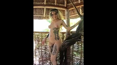 Blondie fairy princess nude dancing