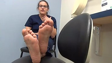 22 year old  Size 8 flat feet