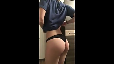 sexy young big ass teen brunette dancing naked in front of webcam