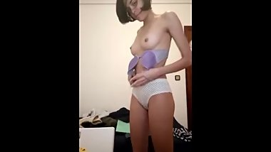 Webslut Yoh Striptease
