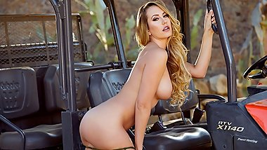 Glamorous cowgirl Brett Rossi gets down and dirty in her ranch gator
